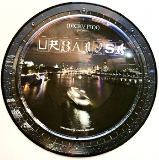 "Foreign Beggars/Pugz - Hold On/System 32 (12"") (Picture Disc) (NM/EX)"